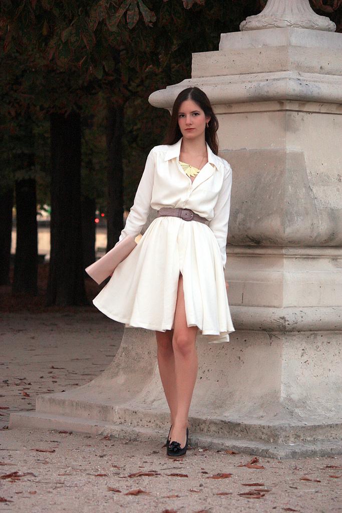 Une petite robe blanche